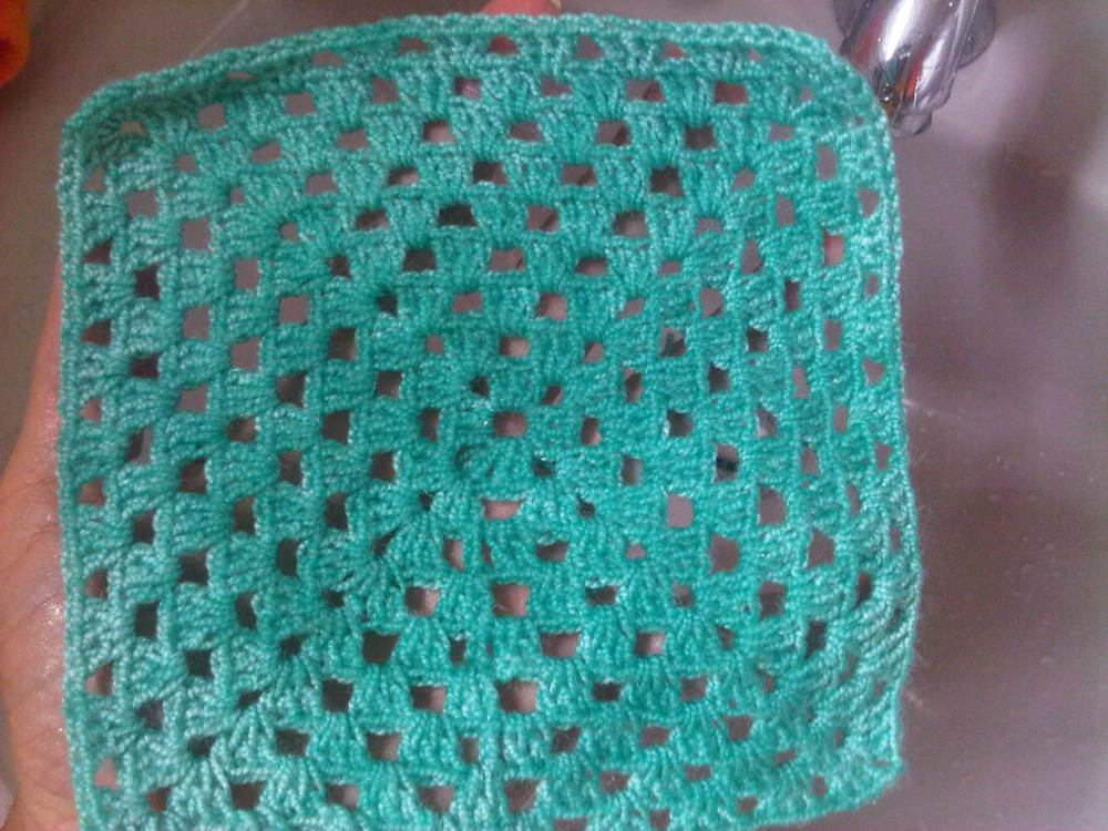 Blocking o Bloqueo de tejido a Crochet  Tutorial - PAP (3/6)