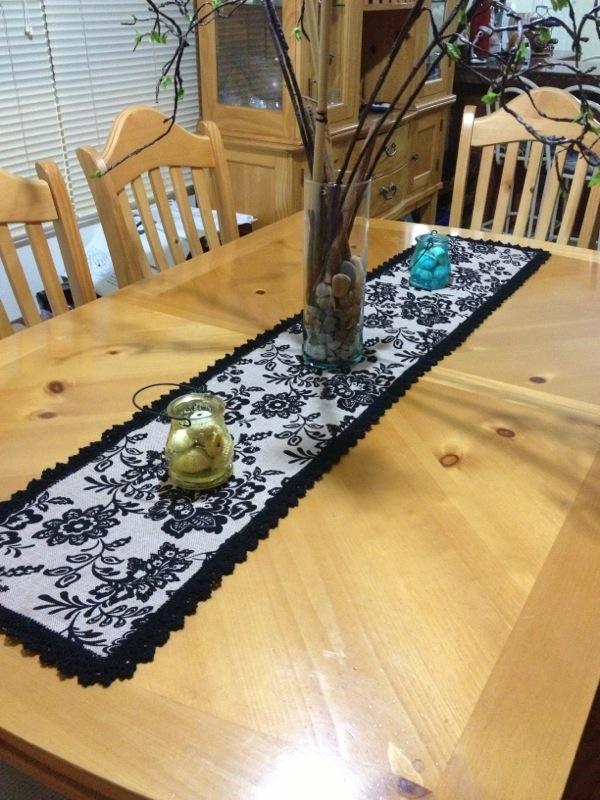Camino de mesa hecho a mano por maricruz pacheco barrios for Caminos para mesas